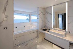Penthouse Suite Cat. PS - Bathroom aboard Celebrity EDGE