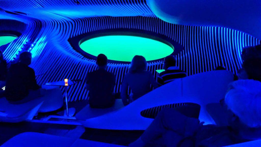 Blue Eye lounge on Le Laperouse.
