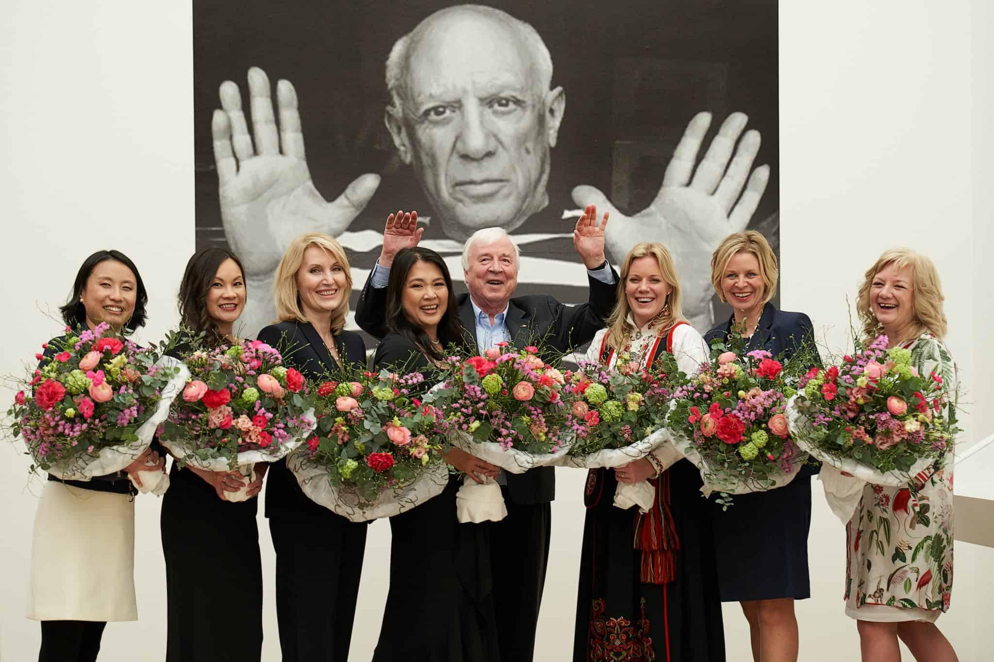 Chairman Torstein Hagen and the Godmothers