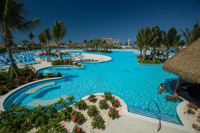 Royal Caribbean Fills The Oasis Lagoon at Perfect Day at CocoCay   24