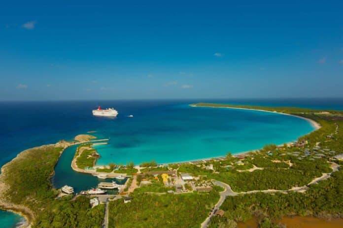 Holland America Line Celebrates the 25th Anniversary of Half Moon Cay During 2022-23 | 15