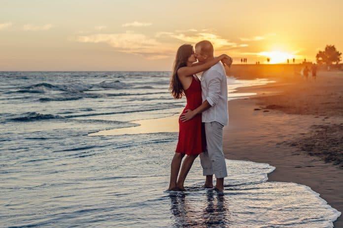 5 Amazing Romantic Luxury Cruises for Couples